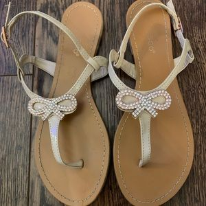 Rose gold and cream flips flops Size 6